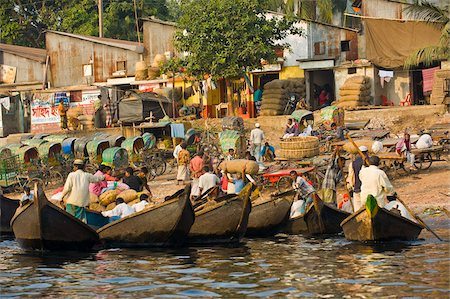 dhaka - Rowing boats in the busy harbour of Dhaka, Bangladesh, Asia Stock Photo - Rights-Managed, Code: 841-05794835