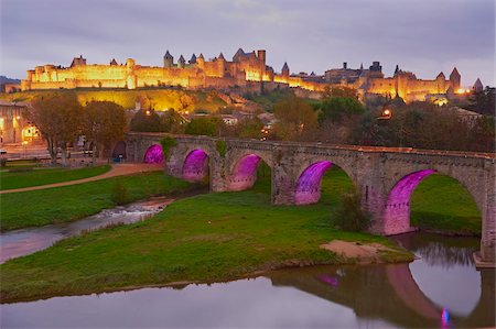 Le Pont Vieux (the old bridge), on the Aude River, Medieval city of Carcassonne, UNESCO World Heritage Site, Aude, Languedoc-Roussillon, France, Europe Stock Photo - Rights-Managed, Code: 841-05847583