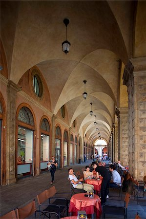 Cafe, Podesta Palace, Piazza Maggiore, Bologna, Emilia Romagna, Italy, Europe Stock Photo - Rights-Managed, Code: 841-05848420