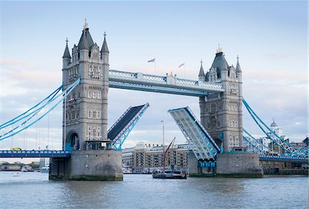 Tower Bridge opening and River Thames, London, England, United Kingdom, Europe Stock Photo - Rights-Managed, Code: 841-05960709
