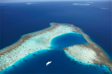 form - Aerial view of coral reef and islands, Maldives, Indian Ocean, Asia Stock Photo - Rights-Managed, Code: 841-05961964