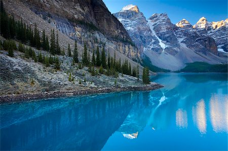Spectacular blue waters at Moraine Lake, Banff National Park, UNESCO World Heritage Site, Alberta, Rocky Mountains, Canada, North America Stock Photo - Rights-Managed, Code: 841-05962114