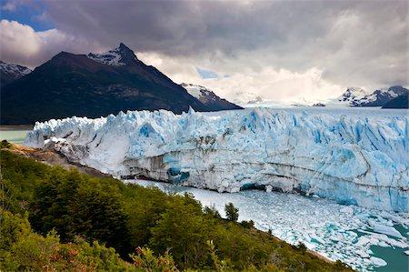 perito moreno glacier - Spectacular Perito Moreno glacier, situated within Los Glaciares National Park, UNESCO World Heritage Site, Patagonia, Argentina, South America Stock Photo - Rights-Managed, Code: 841-05962391
