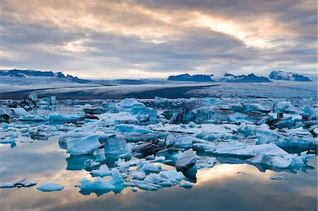 snow - Jokulsarlon, South Iceland, Iceland, Polar Regions Stock Photo - Rights-Managed, Code: 841-06034246