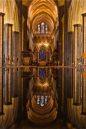 Looking across the font and down the nave of Salisbury Cathedral, Wiltshire, England, United Kingdom, Europe Stock Photo - Rights-Managed, Code: 841-06034380
