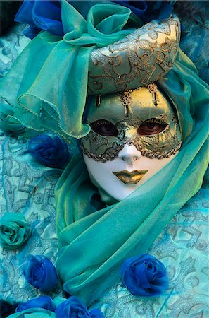 Masked figure in costume at the 2012 Carnival, Venice, Veneto, Italy, Europe Stock Photo - Rights-Managed, Code: 841-06030937