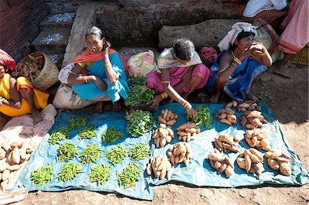 Mali tribeswomen selling chillies and sweet potatoes at weekly market, Rayagader, Orissa, India, Asia Stock Photo - Rights-Managed, Code: 841-06031747