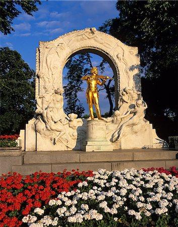 Statue of Johann Strauss, Stadtpark, Vienna, Austria, Europe Stock Photo - Rights-Managed, Code: 841-06033253