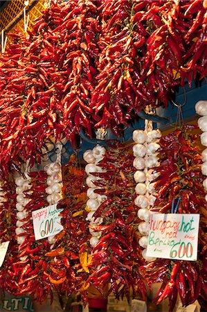 paprika - Paprika and garlic, Central Market (Kozponti Vasarcsarnok), Budapest, Hungary, Europe Stock Photo - Rights-Managed, Code: 841-06033406