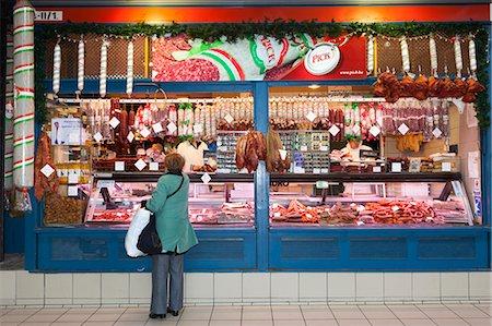 Chorizo and sausage stall, Central Market (Kozponti Vasarcsarnok), Budapest, Hungary, Europe Stock Photo - Rights-Managed, Code: 841-06033407