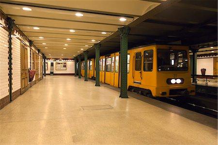 platform - Vorosmarty Ter metro station, Budapest, Hungary, Europe Stock Photo - Rights-Managed, Code: 841-06033400