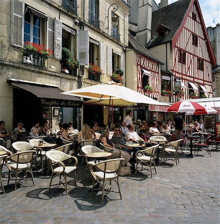 Cafes in Place Francois Rude, Dijon, Burgundy, France, Europe Stock Photo - Rights-Managed, Code: 841-06033445