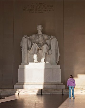 The statue of Lincoln in the Lincoln Memorial being admired by a young girl, Washington D.C., United States of America, North America Stock Photo - Rights-Managed, Code: 841-06342093