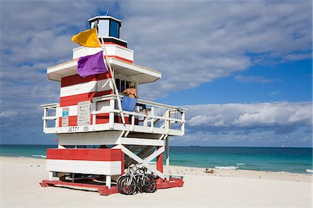 Lifeguard tower on South Beach, City of Miami Beach, Florida, United States of America, North America Stock Photo - Rights-Managed, Code: 841-06342998