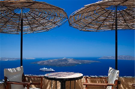 Terrace overlooking the caldera, Santorini, Cyclades, Greek Islands, Greece, Europe Stock Photo - Rights-Managed, Code: 841-06343311