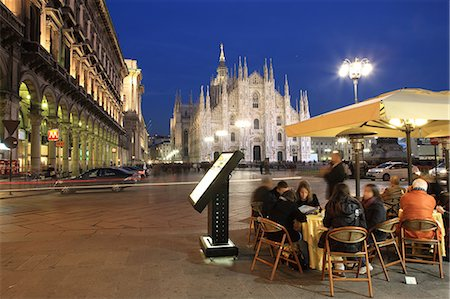 Restaurant in Piazza Duomo at dusk, Milan, Lombardy, Italy, Europe Stock Photo - Rights-Managed, Code: 841-06343981