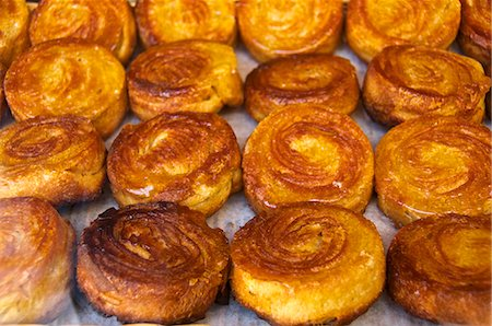 Typical Breton kouign-amann cakes, Dinan, Cotes d'Armor, Brittany, France, Europe Stock Photo - Rights-Managed, Code: 841-06445953
