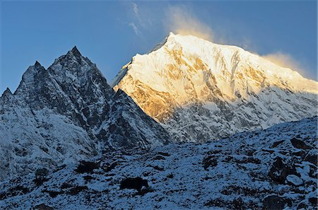 Yak and Langtang Lirung at sunrise, Langtang National Park, Bagmati, Central Region (Madhyamanchal), Nepal, Himalayas, Asia Stock Photo - Rights-Managed, Code: 841-06446528