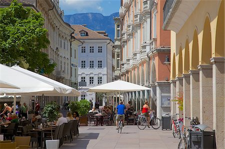 Cafes and shops, Via Mostra, Bolzano, Bolzano Province, Trentino-Alto Adige, Italy, Europe Stock Photo - Rights-Managed, Code: 841-06449019