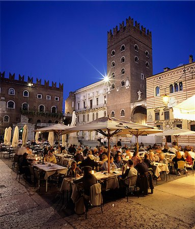 Evening dining in the old town, Verona, UNESCO World Heritage Site, Veneto, Italy, Europe Stock Photo - Rights-Managed, Code: 841-06449540