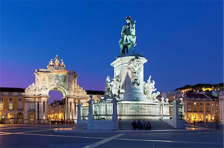 Praca do Comercio with equestrian statue of Dom Jose and Arco da Rua Augusta, Baixa, Lisbon, Portugal, Europe Stock Photo - Rights-Managed, Code: 841-06449583