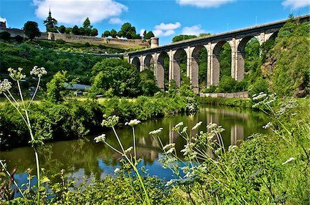 River Rance banks, with viaduct and Castle walls, Dinan, Brittany, France, Europe Stock Photo - Rights-Managed, Code: 841-06500012