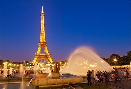 french (places and things) - Eiffel Tower and the Trocadero Fountains at night, Paris, France, Europe Stock Photo - Rights-Managed, Code: 841-06500049