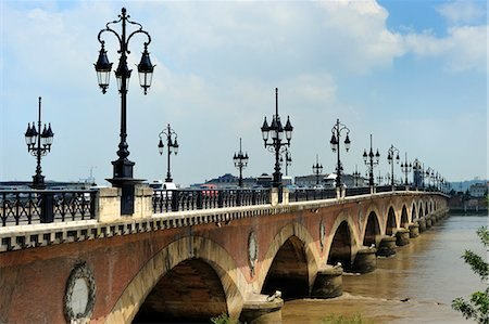 Pont de Pierre on the Garonne river, Bordeaux, UNESCO World Heritage Site, Gironde, Aquitaine, France, Europe Stock Photo - Rights-Managed, Code: 841-06501055