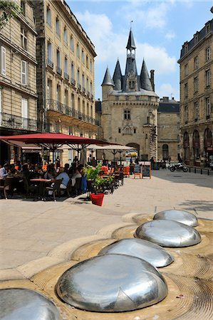 View of Porte Cailhau from Place de Palais, Bordeaux, UNESCO World Heritage Site, Gironde, Aquitaine, France, Europe Stock Photo - Rights-Managed, Code: 841-06501059