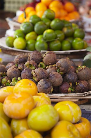 food stalls - Mangosteens at market, Phnom Penh, Cambodia, Indochina, Southeast Asia, Asia Stock Photo - Rights-Managed, Code: 841-06501919