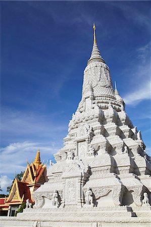 Stupa at Silver Pagoda in Royal Palace, Phnom Penh, Cambodia, Indochina, Southeast Asia, Asia Stock Photo - Rights-Managed, Code: 841-06501928