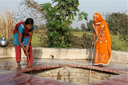 Women fetching water, Mathura, Uttar Pradesh, India, Asia Stock Photo - Rights-Managed, Code: 841-06502207