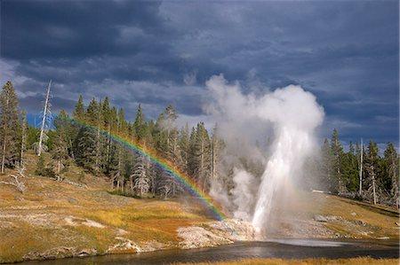 rainbow - Riverside Geyser, Upper Geyser Basin, Yellowstone National Park, UNESCO World Heritage Site, Wyoming, United States of America, North America Stock Photo - Rights-Managed, Code: 841-06502670