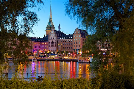 stockholm - Gamla Stan and Riddarholmen with spire of Riddarholmskyrkan (Riddarholmen Church) at dusk, Stockholm, Sweden, Scandinavia, Europe Stock Photo - Rights-Managed, Code: 841-06502883
