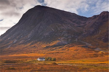 Lagangarbh cottage below Stob Dearg in Glen Coe, Scotland, United Kingdom, Europe Stock Photo - Rights-Managed, Code: 841-06503270