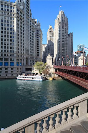 Chicago River and DuSable Bridge with Wrigley Building and Tribune Tower, Chicago, Illinois, United States of America, North America Stock Photo - Rights-Managed, Code: 841-06616667