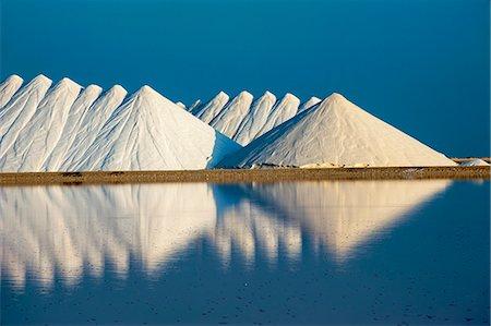 salt - Saline plains, a salt mine in Bonaire, ABC Islands, Netherlands Antilles, Caribbean, Central America Stock Photo - Rights-Managed, Code: 841-06616778