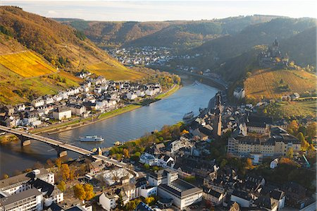 fall - View over Cochem and the Mosel River in autumn, Cochem, Rheinland-Pfalz (Rhineland-Palatinate), Germany, Europe Stock Photo - Rights-Managed, Code: 841-06805537