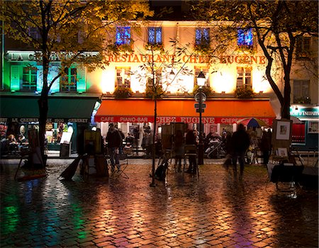 Restaurants and cafes lit at night in the Montmartre area of Paris, France, Europe Stock Photo - Rights-Managed, Code: 841-06805637