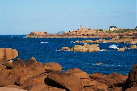 Pointe de Squewel and Mean Ruz Lighthouse, Men Ruz, littoral house, Ploumanach, Cote de Granit Rose, Cotes d'Armor, Brittany, France, Europe Stock Photo - Rights-Managed, Code: 841-06807633