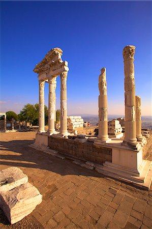 Temple of Trajan, Bergama (Pergamum), Anatolia, Turkey, Asia Minor, Eurasia Stock Photo - Rights-Managed, Code: 841-07081249