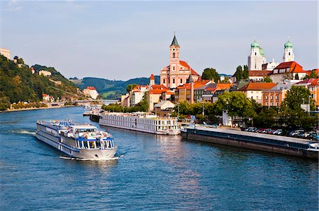 Cruise ship passing on the River Danube, Passau, Bavaria, Germany, Europe Stock Photo - Rights-Managed, Code: 841-07083463