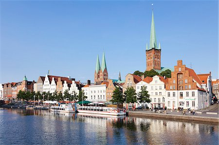 placing - River Trave, Stadttrave with Petri church and Marien church, Lubeck, Schleswig Holstein, Germany, Europe Stock Photo - Rights-Managed, Code: 841-07204729