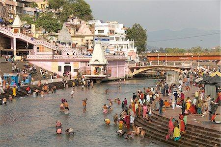 Temple at Har-ki-Pairi, on bank of River Ganges, Haridwar, Uttarakhand, India, Asia Stock Photo - Rights-Managed, Code: 841-07205119
