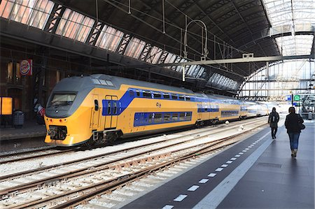 platform - Intercity train in a platform at Central Station, Amsterdam, Netherlands, Europe Stock Photo - Rights-Managed, Code: 841-07205968