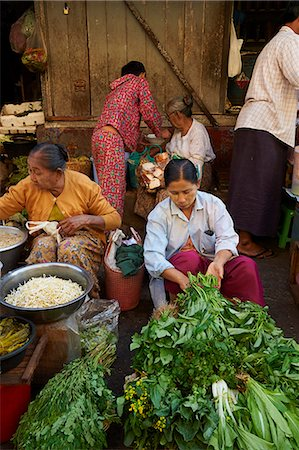 southeast asian ethnicity - Vegetable market, Bogyoke Aung San market, Yangon (Rangoon), Myanmar (Burma), Asia Stock Photo - Rights-Managed, Code: 841-07206145