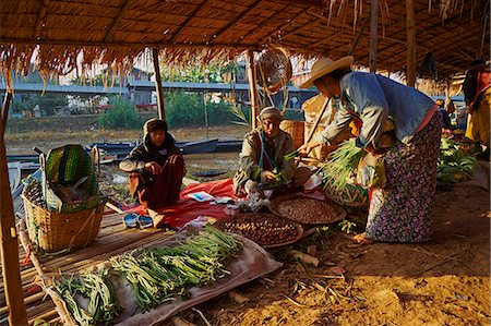 southeast asian ethnicity - Floating market, Ywama village, Inle Lake, Shan State, Myanmar (Burma), Asia Stock Photo - Rights-Managed, Code: 841-07206229