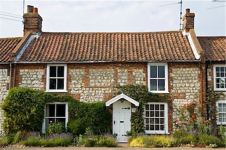 quaint house - Traditional Norfolk brick and flint home near Burnham Market, Holkham, UK Stock Photo - Rights-Managed, Code: 841-07202005