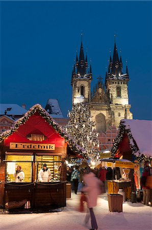 placing - Snow-covered Christmas Market and Tyn Church, Old Town Square, Prague, Czech Republic, Europe Stock Photo - Rights-Managed, Code: 841-07202222