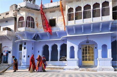 Ghats at Holy Pushkar Lake and old Rajput Palaces, Pushkar, Rajasthan, India, Asia Stock Photo - Rights-Managed, Code: 841-07202327